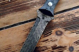 Fang dagger in rose pattern Damasteel